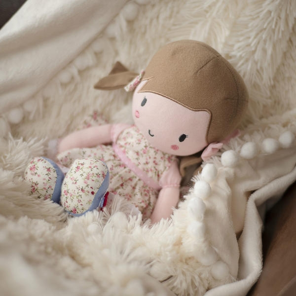 primrose doll bambola